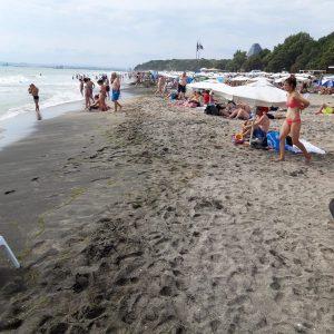 Внезапна проверка на плаж Бургас-север не откри нарушения (снимки)