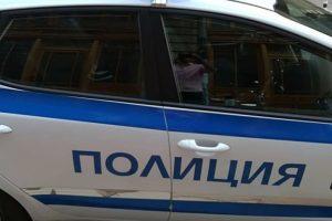 Задържаха двама души за палежа на 7 коли в Троян