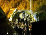 Намерени са черните кутии на разбилия се в Индия самолет (снимки)