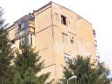 Огнеборци спасиха 3 деца в горящ апартамент във Велико Търново