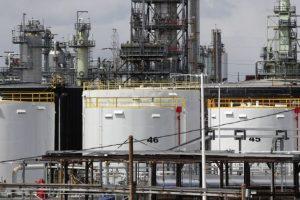 Петролът поевтиня преди срещата на ОПЕК