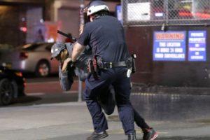 Полицейският час във Вашингтон е удължен след нова нощ на размирици