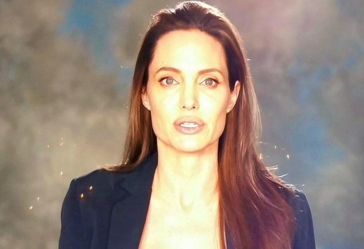 Анджелина Джоли с първа публична проява след развода с Брад Пит (ВИДЕО)