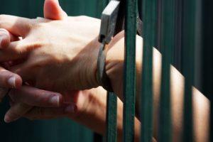 Задържаха двама, ограбили от белгиец 2000 лева в Търговище