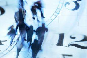Намаляват минималния стаж за право на платен годишен отпуск