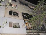 Пожар остави без покрив семейство с четири деца в Русе (снимки)