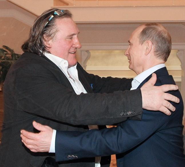 Жерар Депардийо гласува за президент на Русия